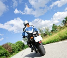 12 Tips to Ensure Motorcycle Safety